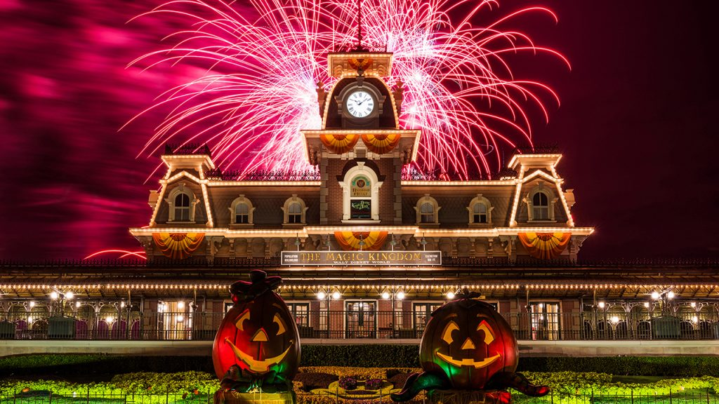 fall-themed events at amusement parks across the u.s.