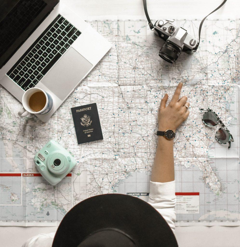 travel agencies aren't extinct